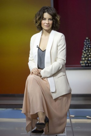 Evangeline Lilly presents The Hobbit at The Morning Show