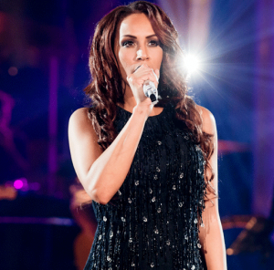 Glennis Grace presents her new single, NYE