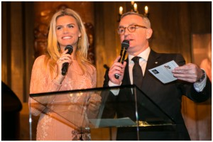 Nicolette Van Dam presents the Red Cross Gala-Stars