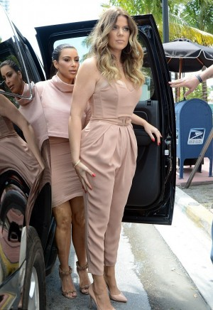 Powder pink for Khloe Kardashian in Miami