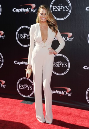 Sartorial sensuality for Chrissy Teigen at 2014 ESPY Awards