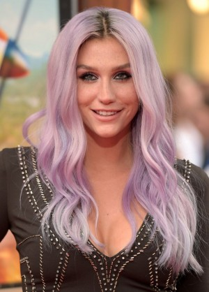 Intriguing laces for Kesha at Disney Premiere